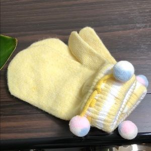 Other - Warm baby yellow cotton mittens